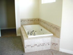 custom home in Colorado master tub with jets